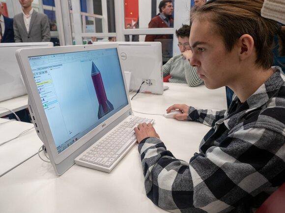В Совфеде оценили возможность замены дипломной работы стартапом
